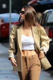 Emily Ratajkowski - Steps out with her dog in New York