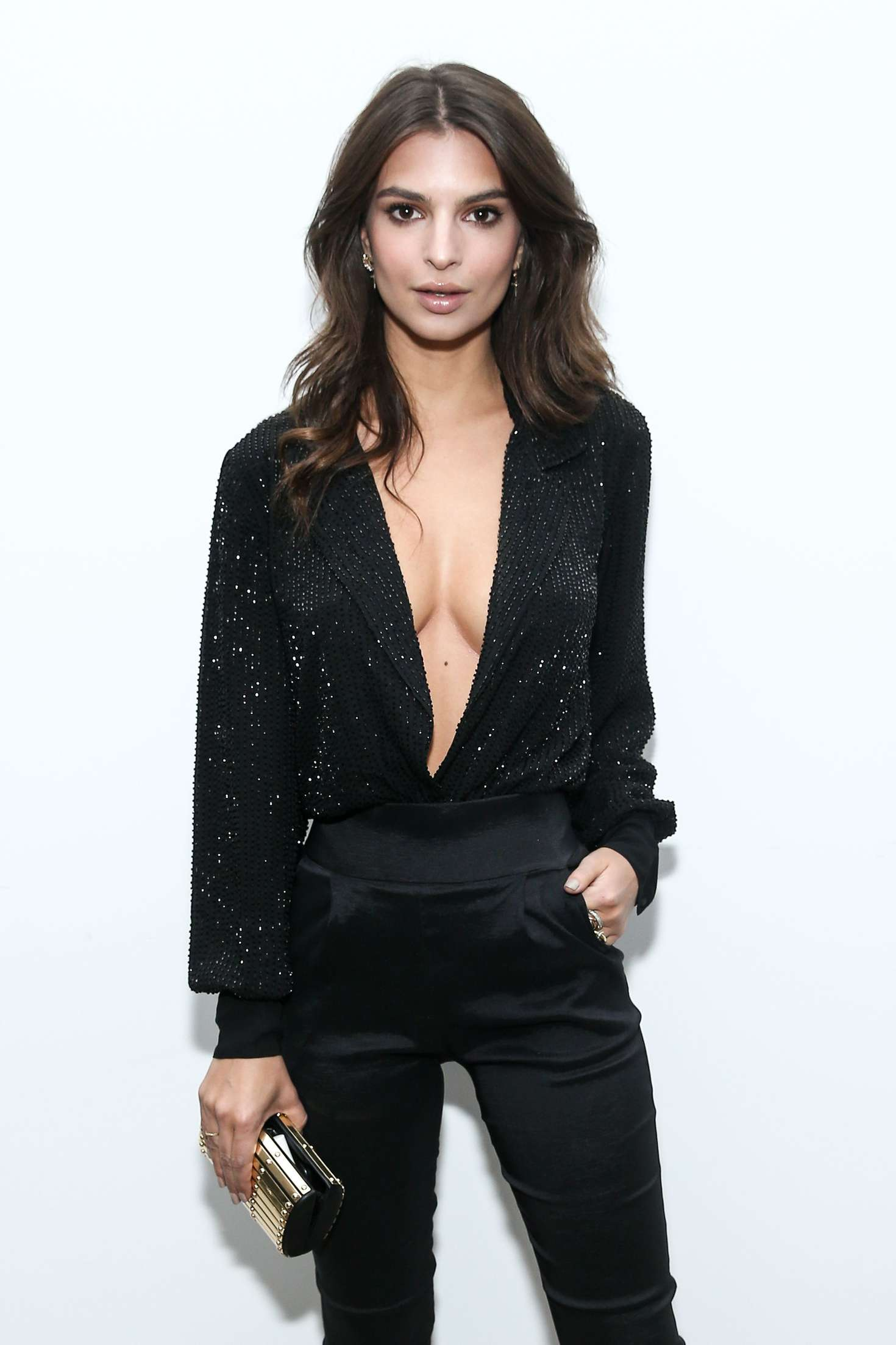 Emily Ratajkowski – Vince Camuto Holiday Dance Party in LA
