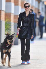 Emily Ratajkowski - Walking her dog Colombo in New York