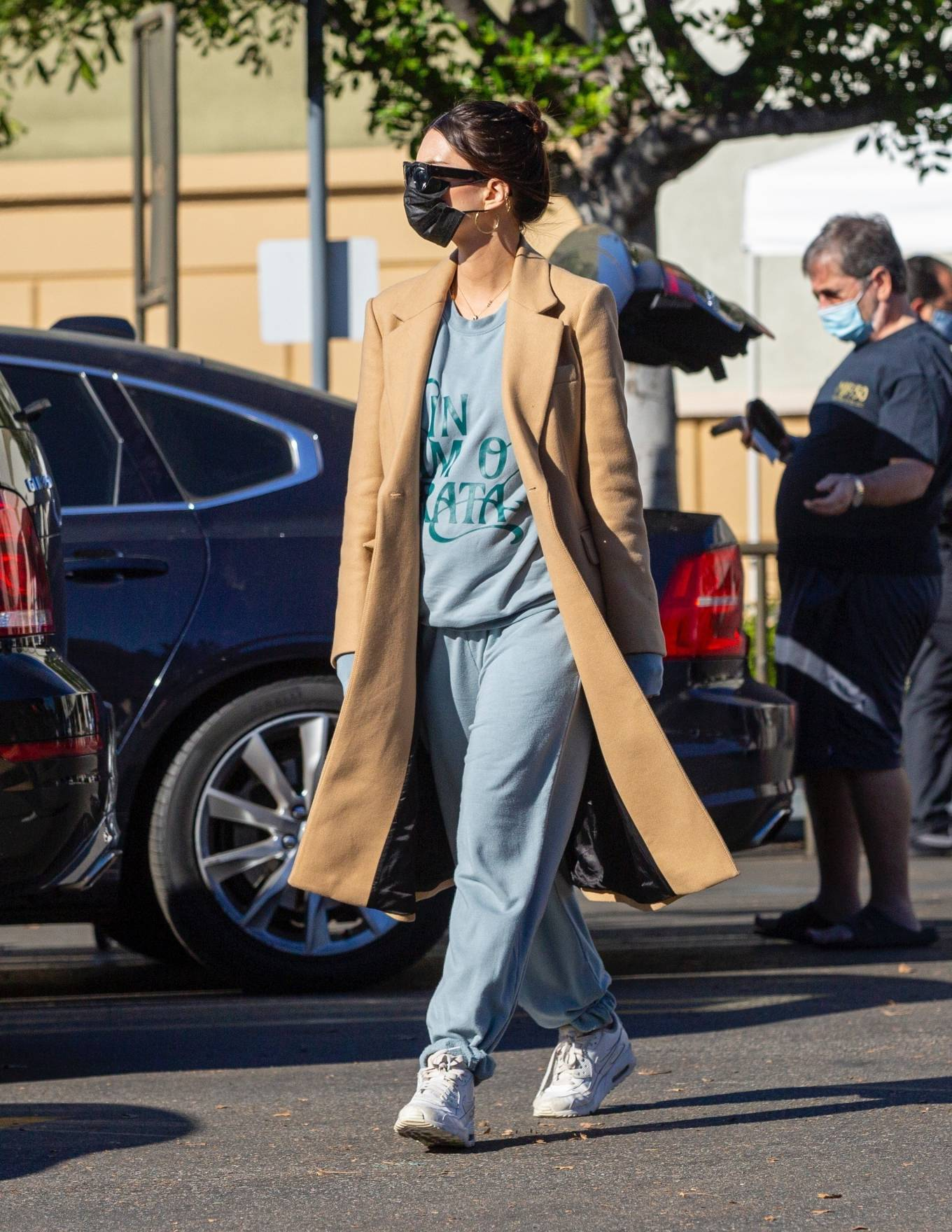 Emily Ratajkowski 2020 : Emily Ratajkowski – Wearing a winter coat at Gelsons market in Los Angeles-04