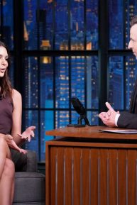 Emily Ratajkowski - Wears mini dress on 'Late Night with Seth Meyers' in NYC