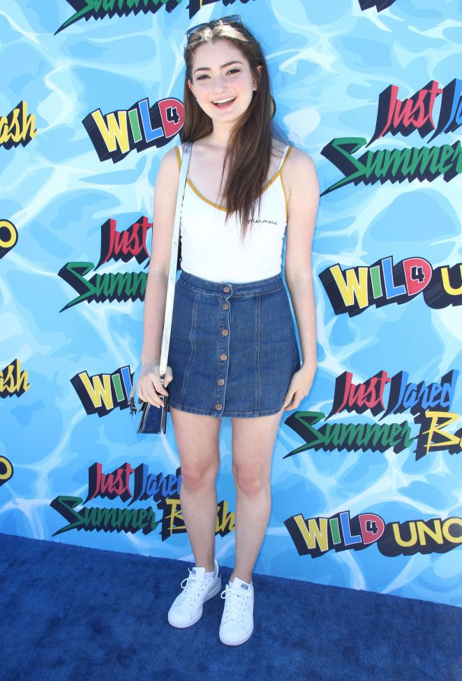 Emily Robinson - 2016 Just Jared Summer Bash in Los Angeles