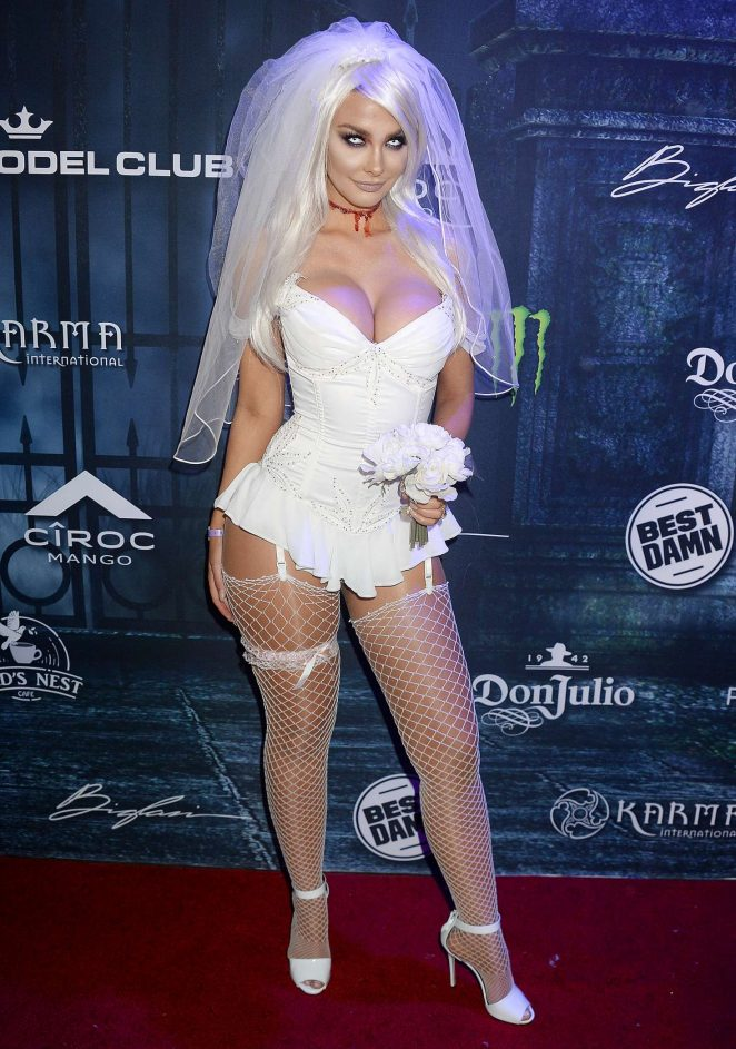 emily sears maxim halloween party 2016 05