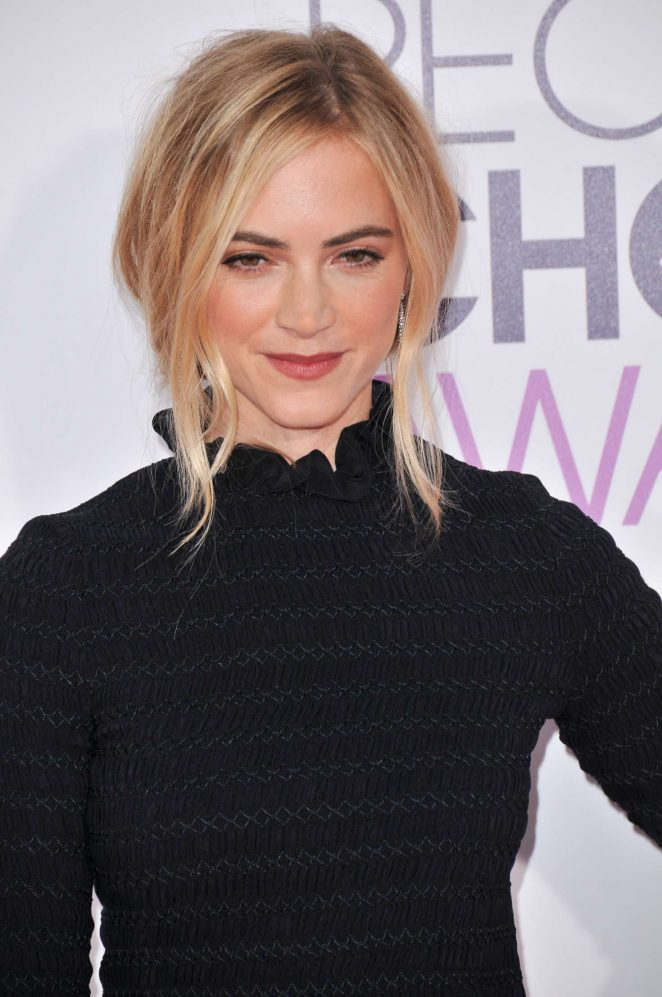 Emily Wickersham – 2017 People's Choice Awards in Los Angeles