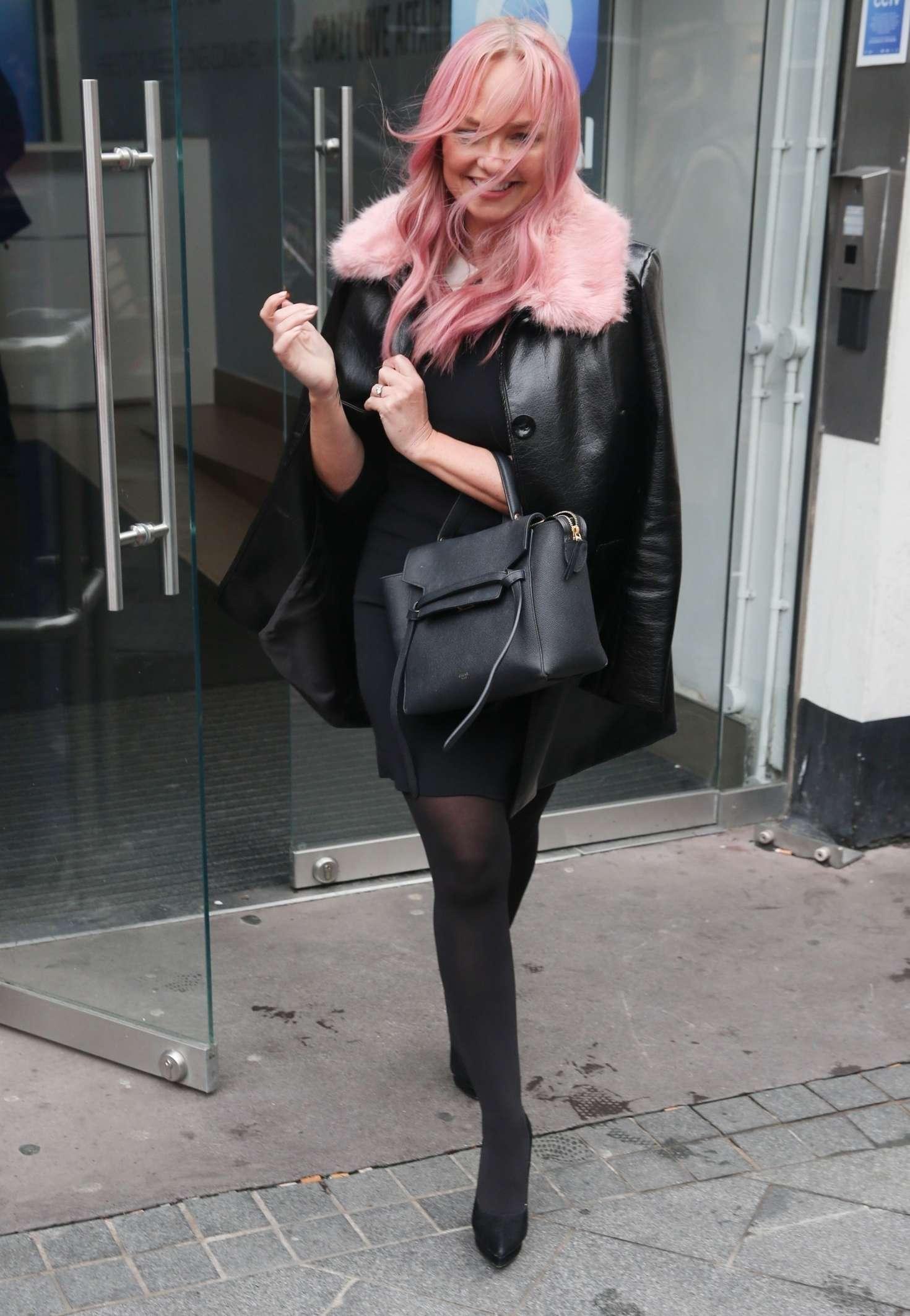 Emma Bunton 2018 : Emma Bunton: Leaving Global Radio Studios -05