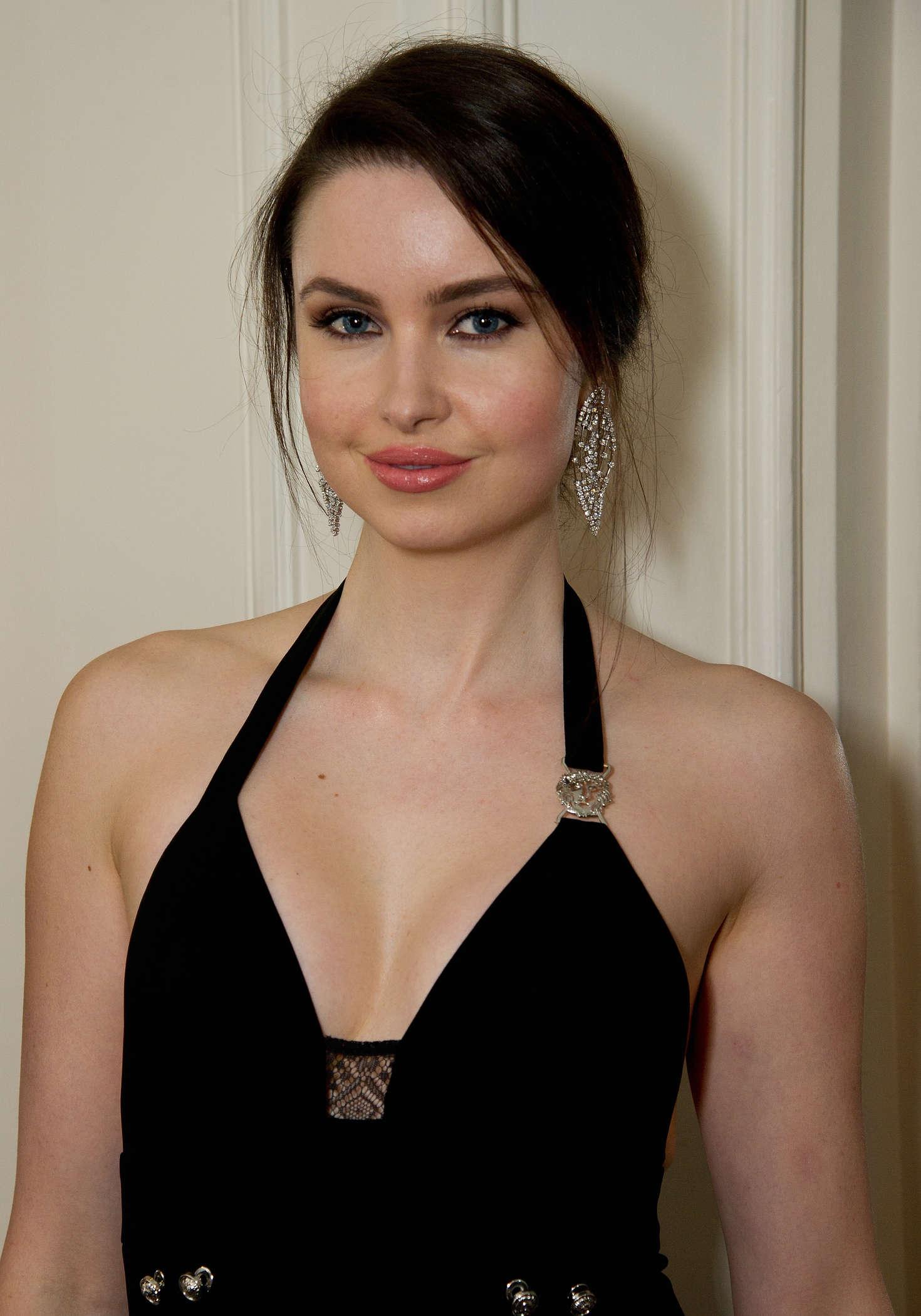 Is a cute Emma Miller naked (33 photos), Sexy, Is a cute, Boobs, butt 2020