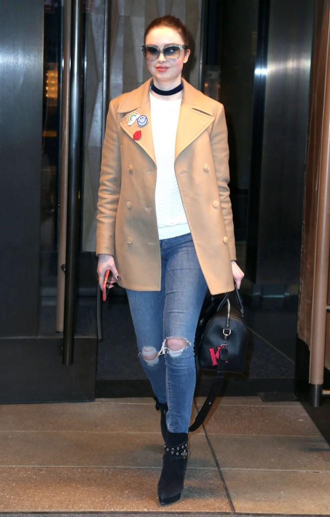 Emma Miller in Jeans -05