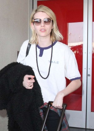 Emma Roberts - Arrives at Los Angeles International Airport