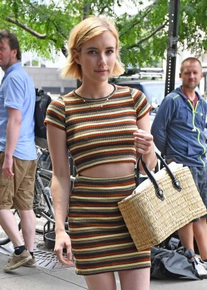 Emma Roberts - Arriving at her hotel in NYC