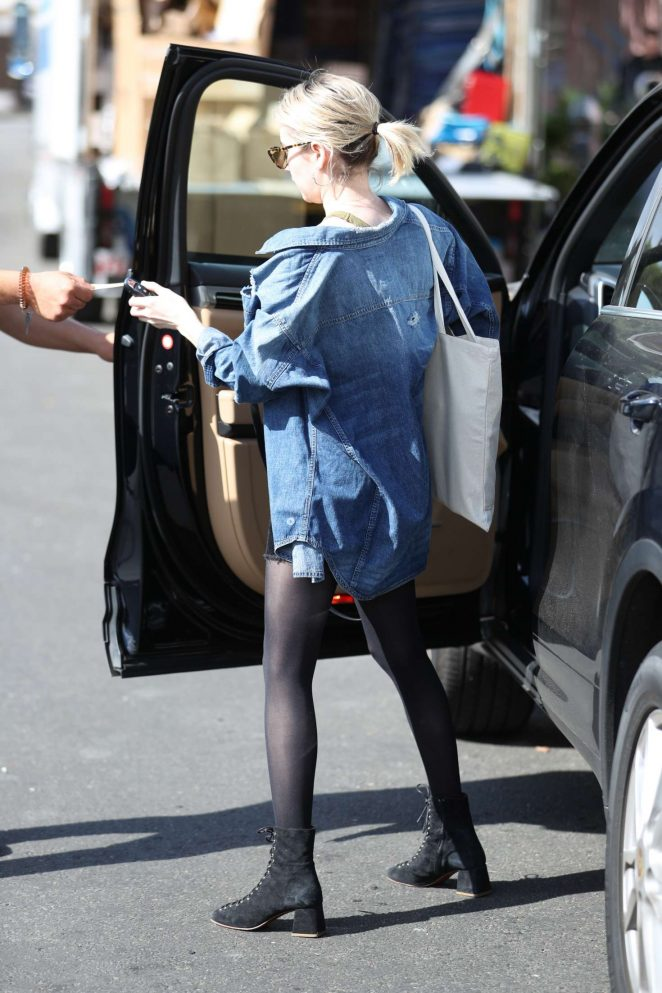 Emma roberts at 901 salon in west hollywood 15 gotceleb for 901 salon west hollywood