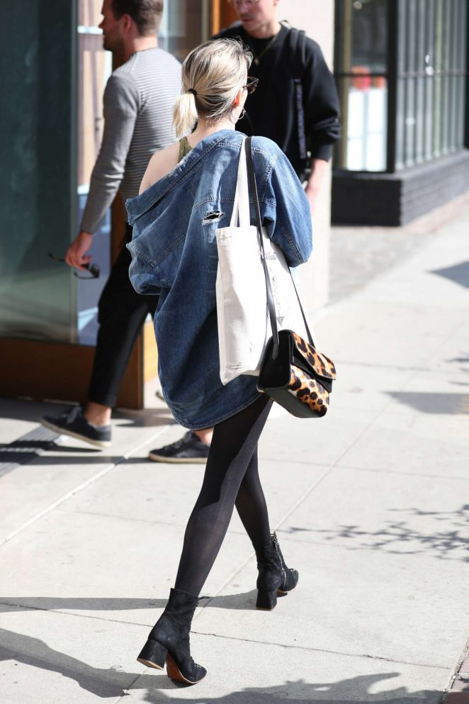 Emma roberts at 901 salon in west hollywood 26 gotceleb for 901 salon west hollywood