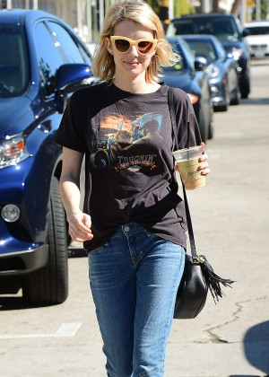 Emma Roberts - Gets Lunch at Cafe Alfred in West Hollywood