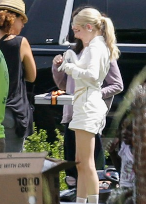 Emma Roberts - Filming 'Scream Queens' in New Orleans