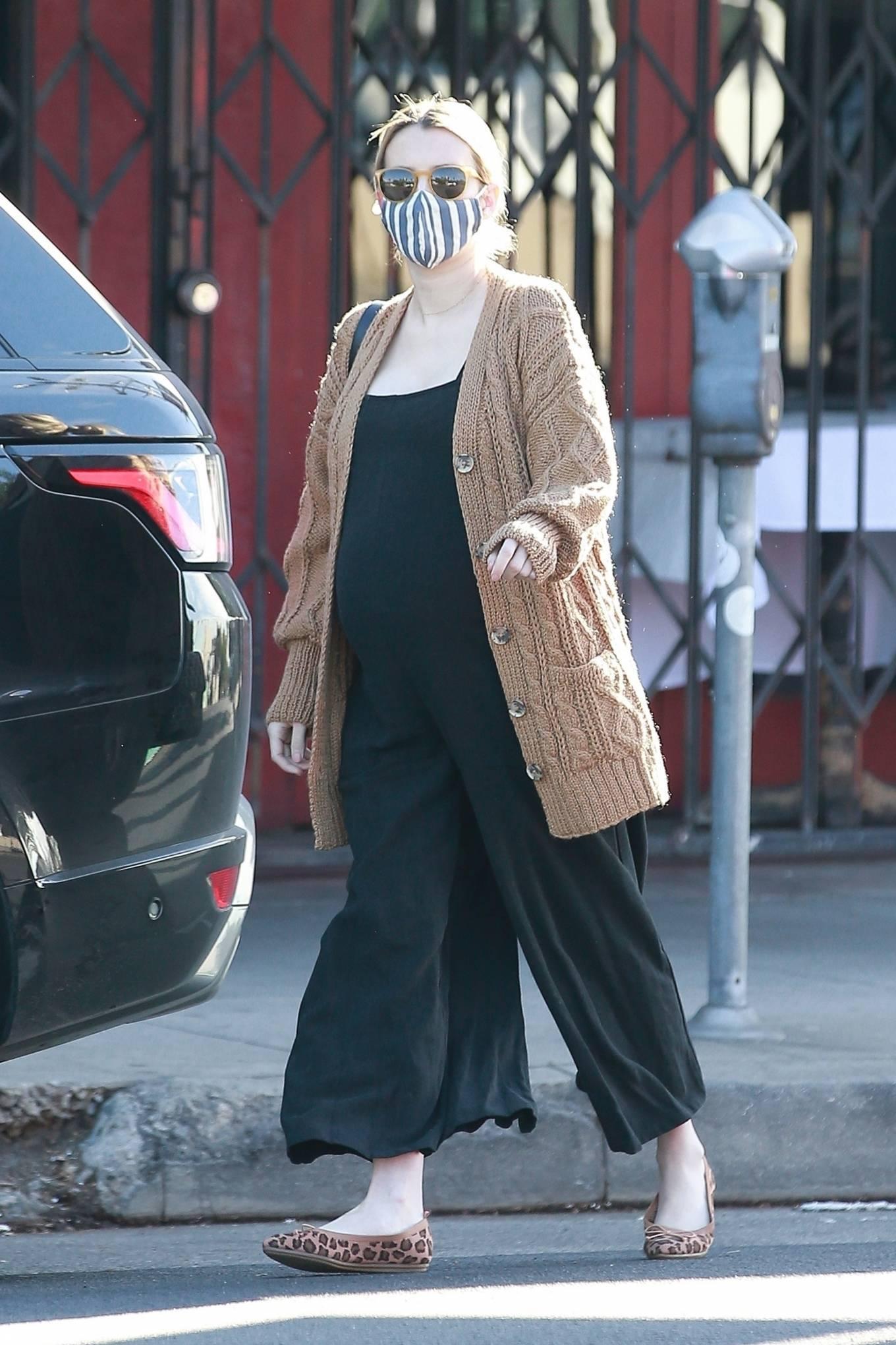 Emma Roberts - Goes for a coffee in Los Feliz