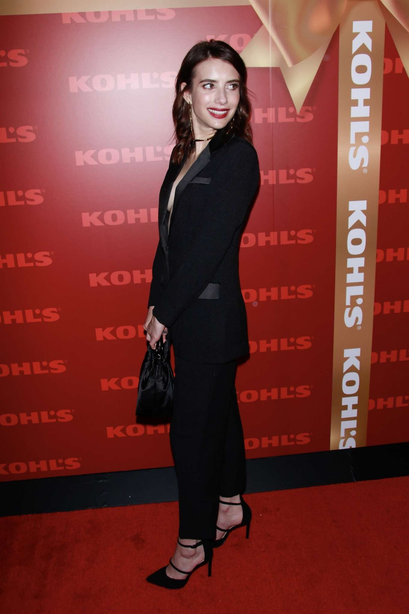 Emma Roberts 2019 : Emma Roberts – Kohl's New Gifts at Every Turn Holiday Shopping Event-01