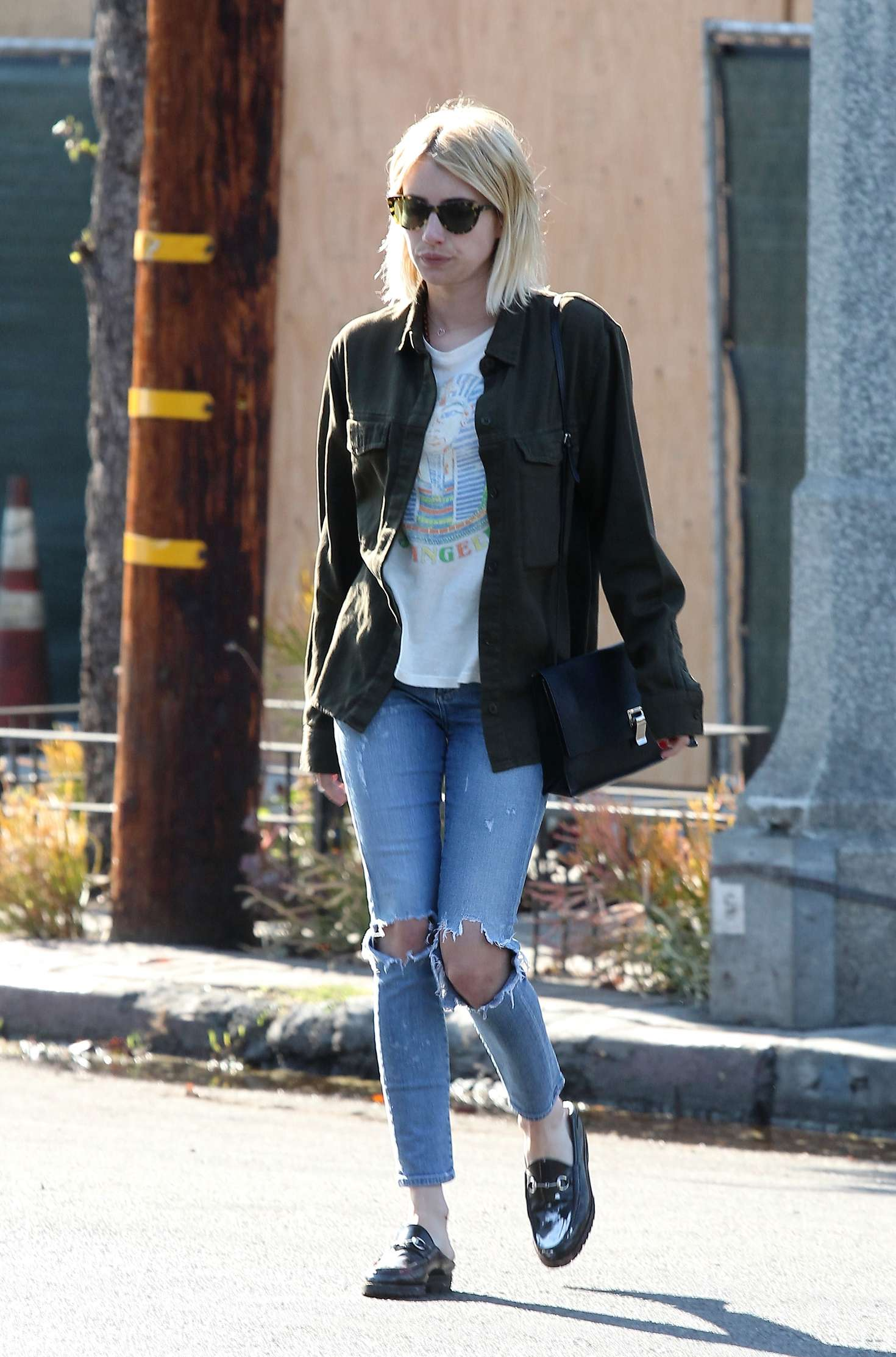 Emma roberts leaves 901 salon 10 gotceleb for 901 salon west hollywood