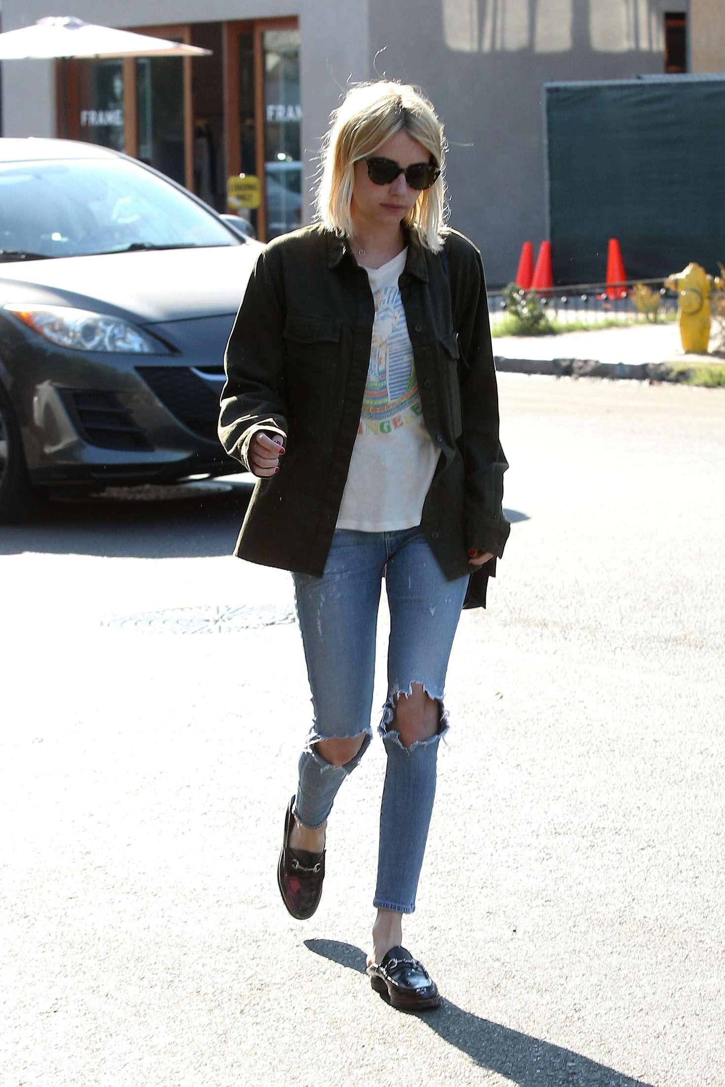 Emma roberts leaves 901 salon 16 gotceleb for 901 salon west hollywood