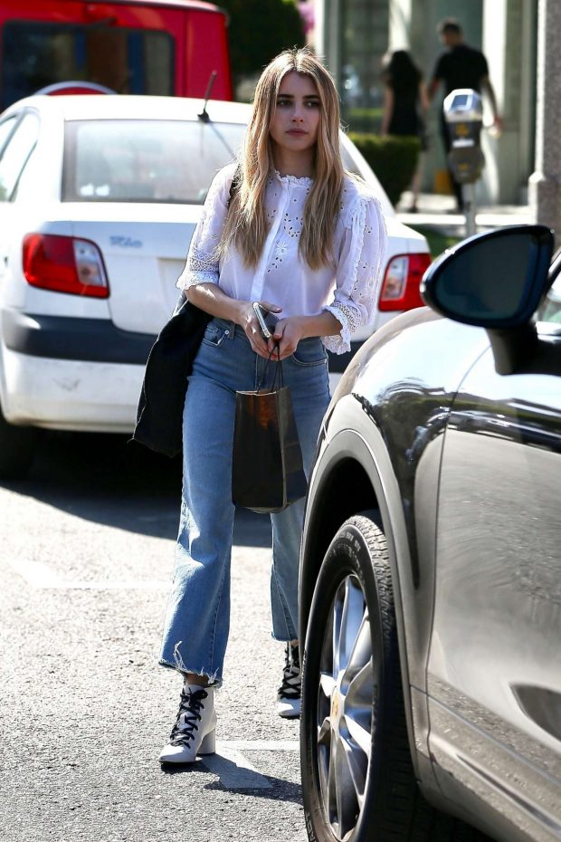 Emma Roberts: Leaves Nine Zero One Salon -10