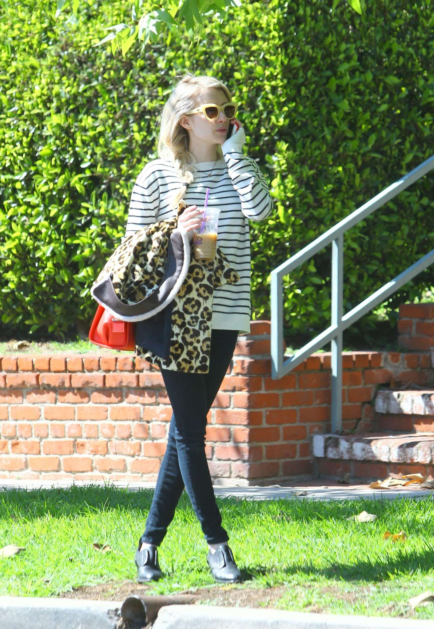 Emma Roberts In Leggings 06 Gotceleb