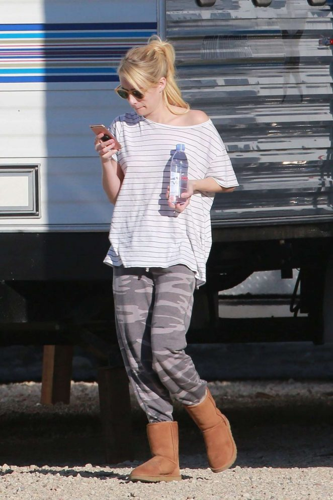 Emma Roberts on 'Scream Queens' Set in Santa Clara