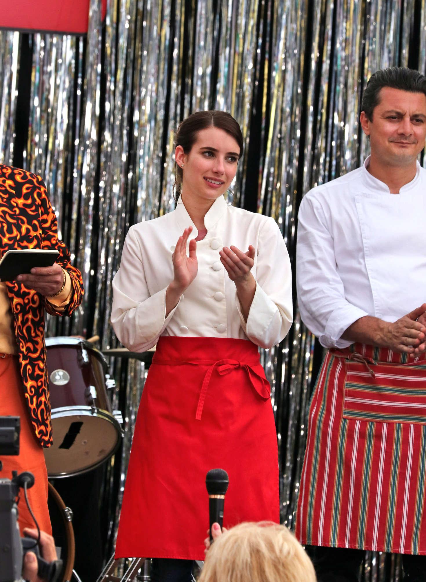 Emma Roberts 2017 : Emma Roberts on the set of Little Italy -01