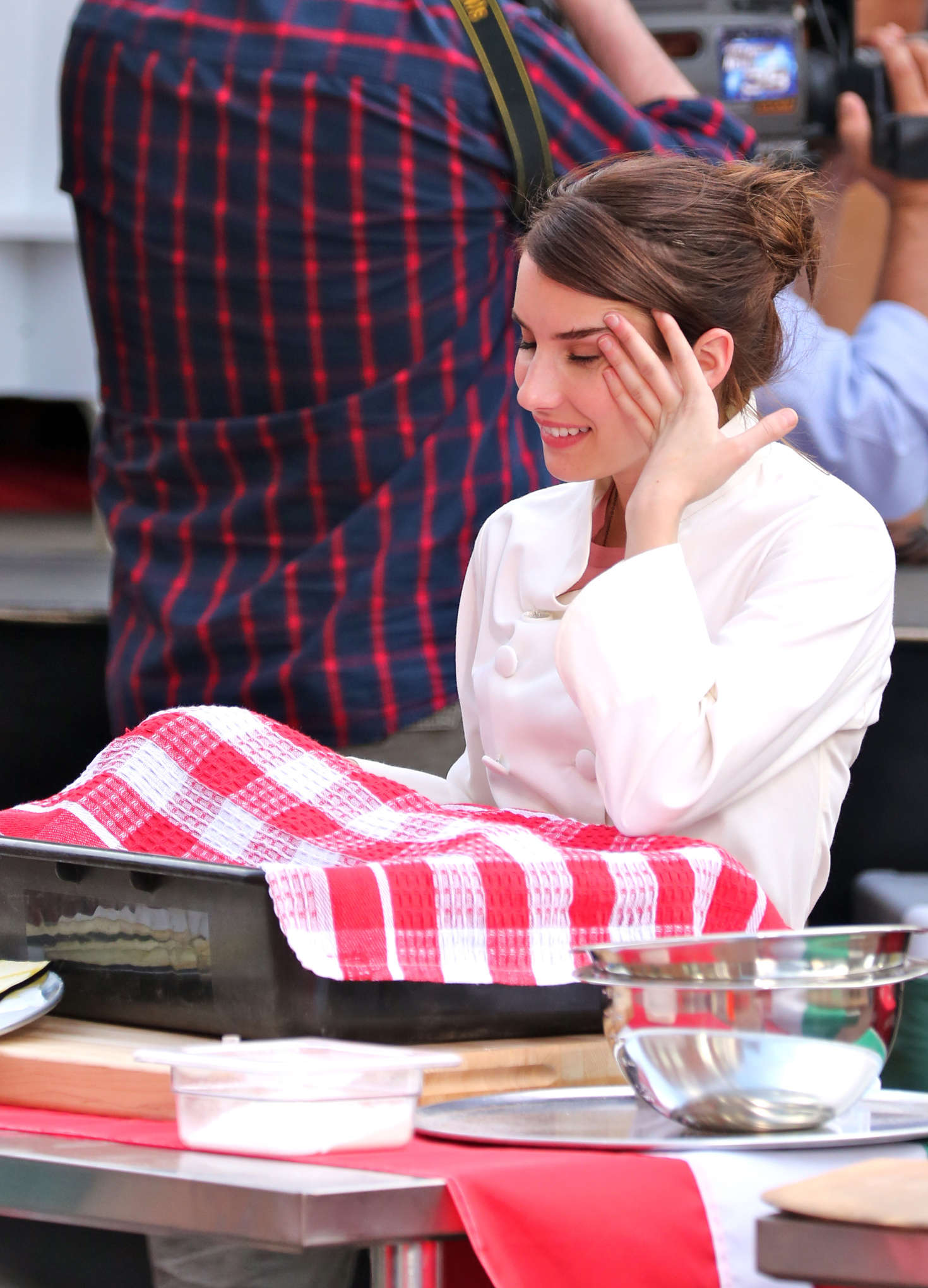 Emma Roberts 2017 : Emma Roberts on the set of Little Italy -12