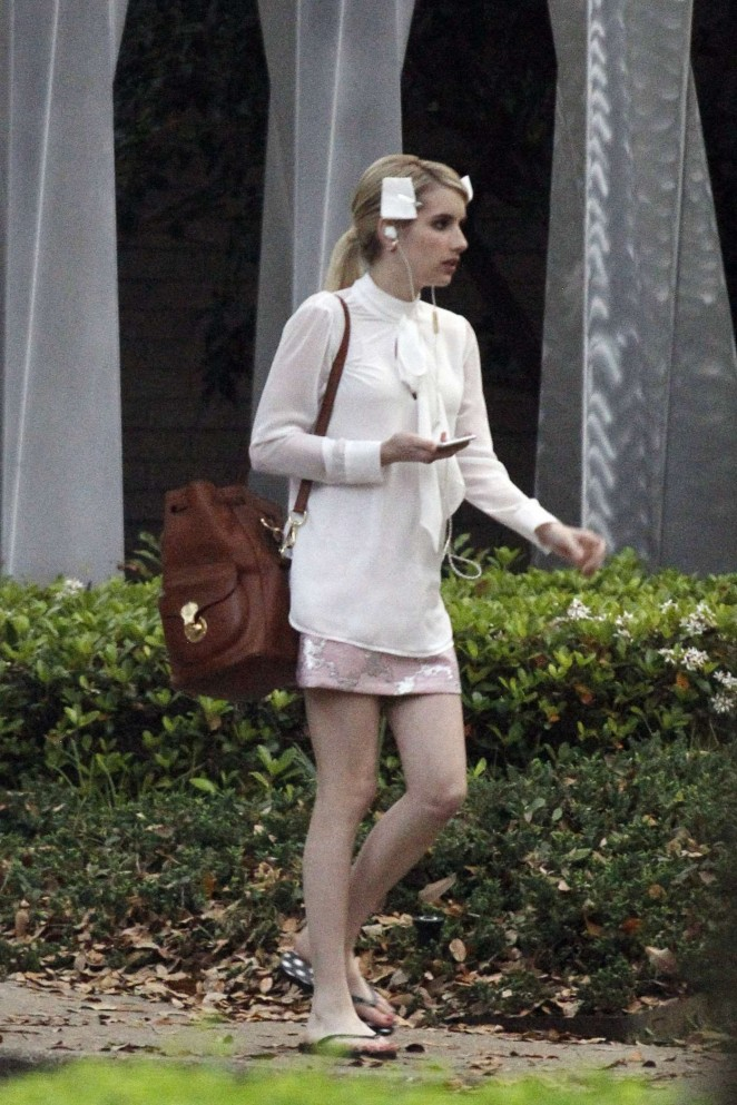 "Emma Roberts - Filming ""Scream Queens"" in New Orleans"