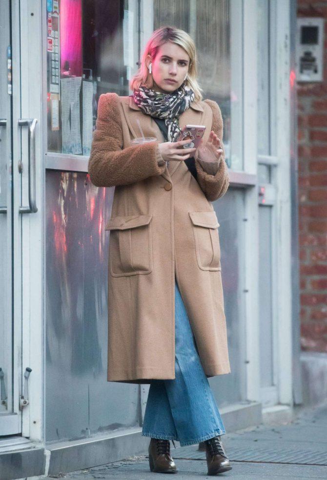 Emma Roberts – On Valentine's Day in New York City