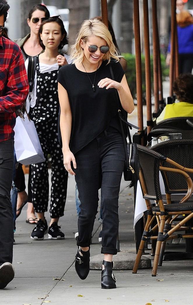 Emma Roberts 2015 : Emma Roberts in Black -01