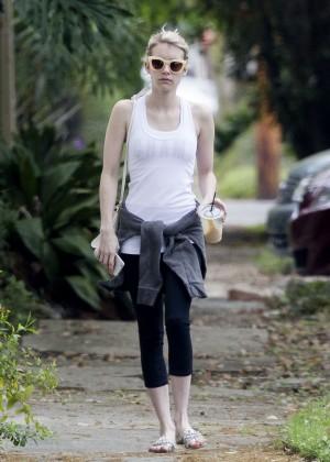 Emma Roberts in Leggings -01