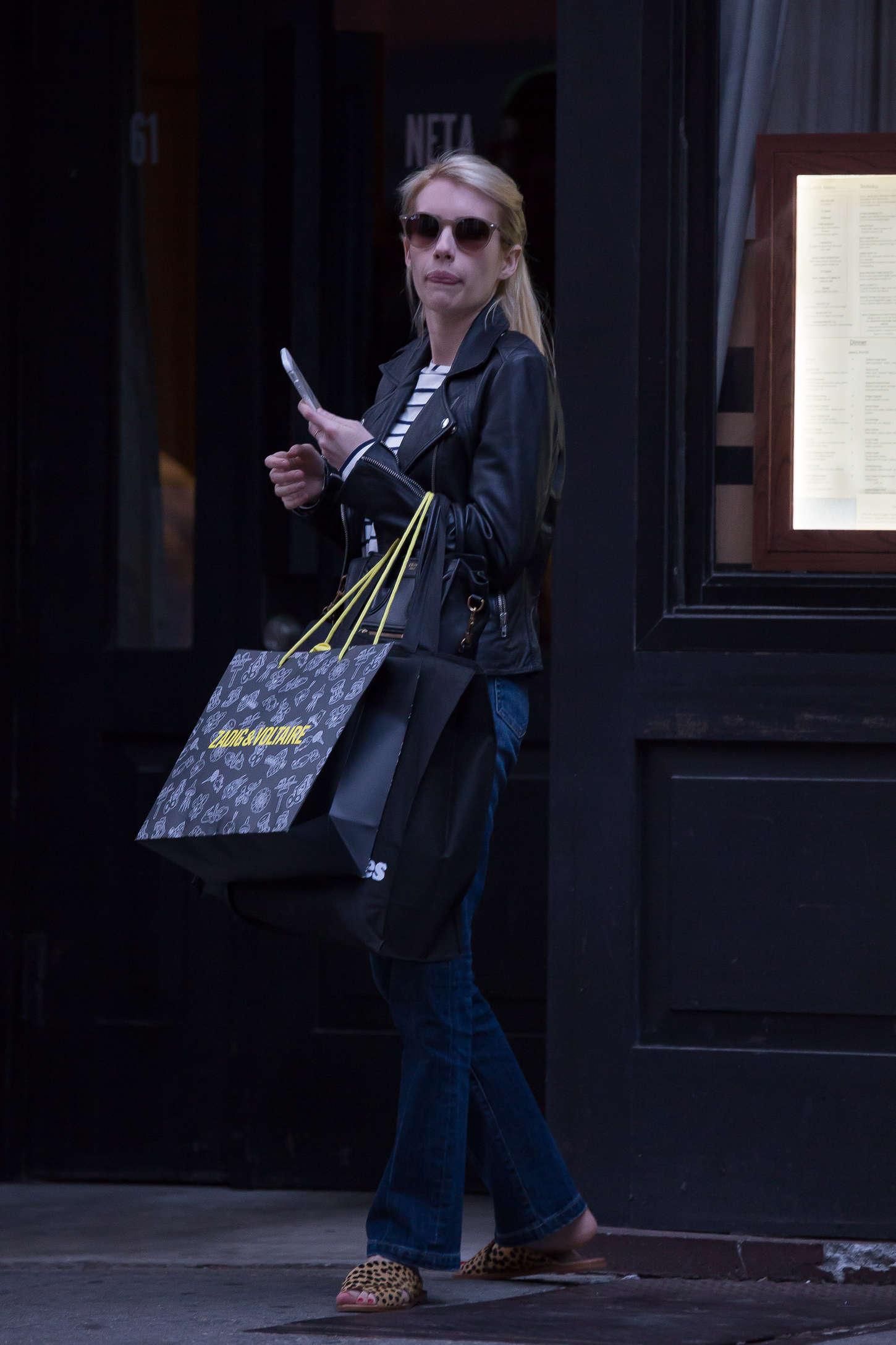Emma Roberts 2015 : Emma Roberts in Jeans -03