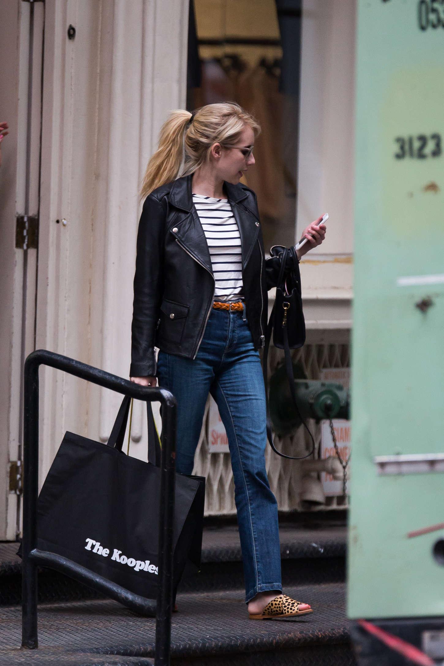 Emma Roberts 2015 : Emma Roberts in Jeans -04