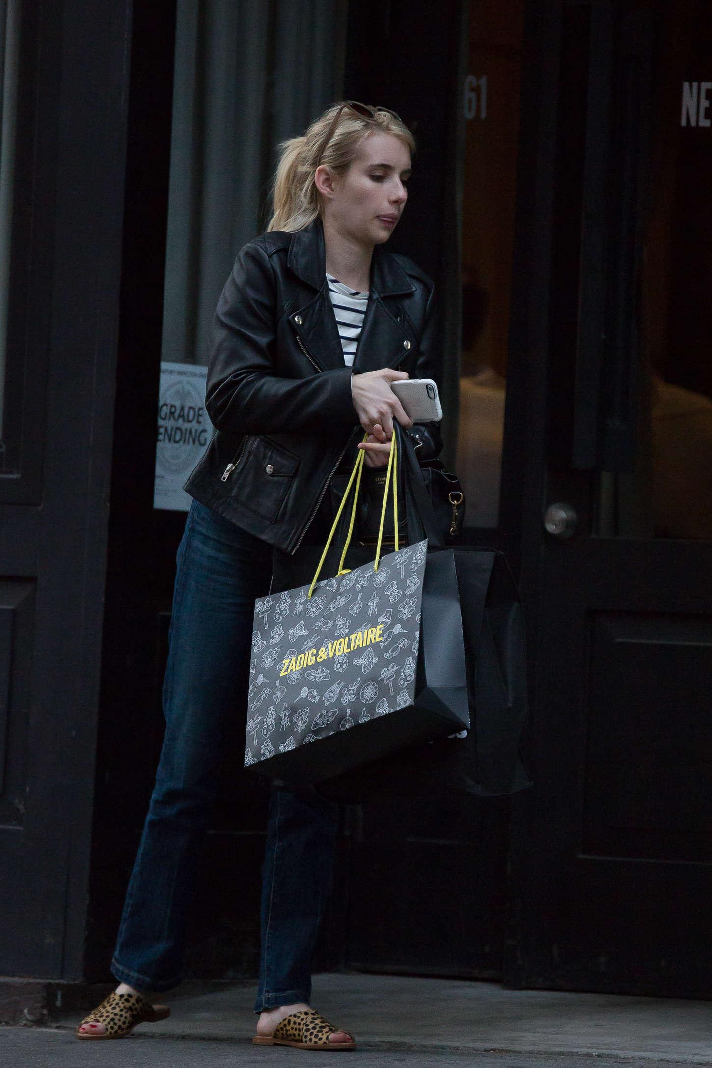 Emma Roberts 2015 : Emma Roberts in Jeans -08
