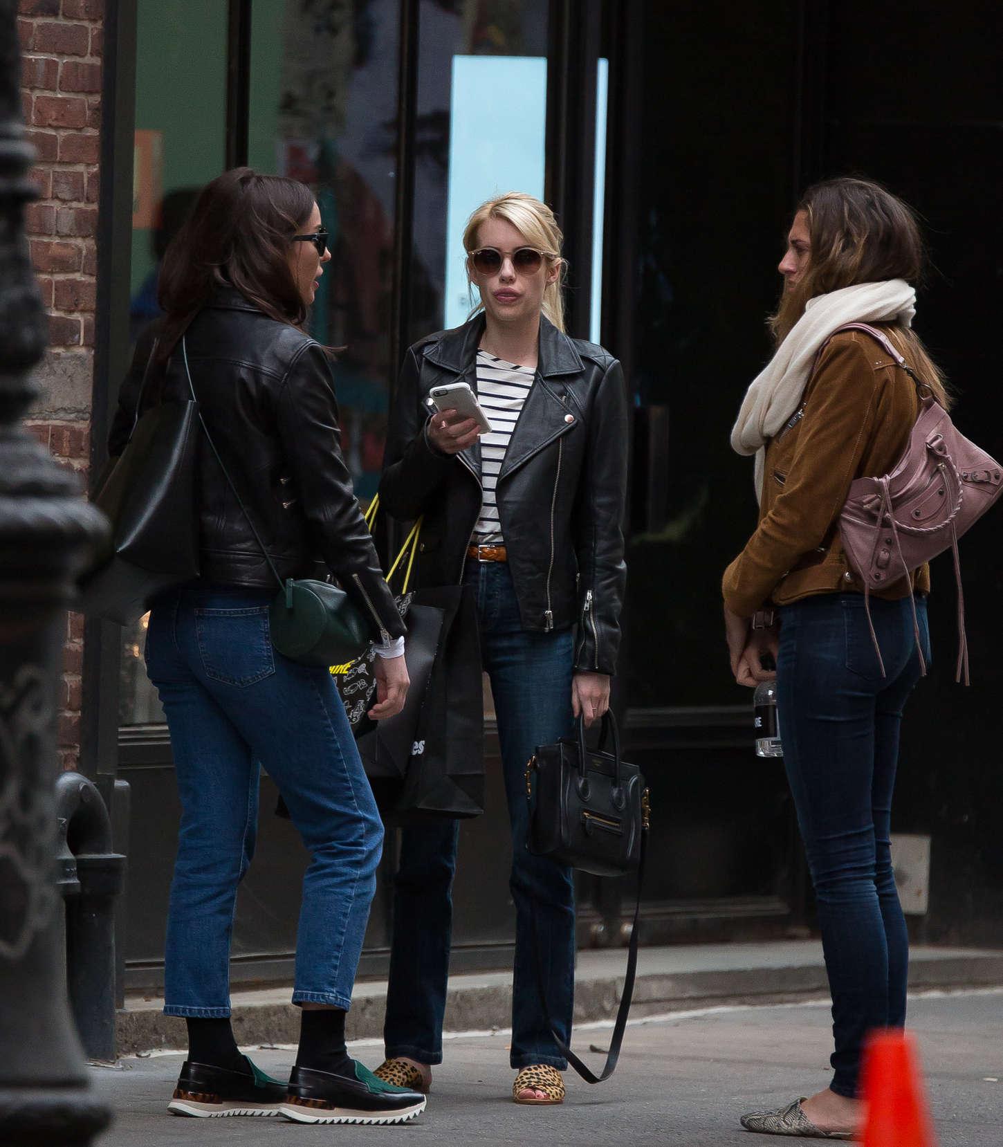 Emma Roberts 2015 : Emma Roberts in Jeans -09