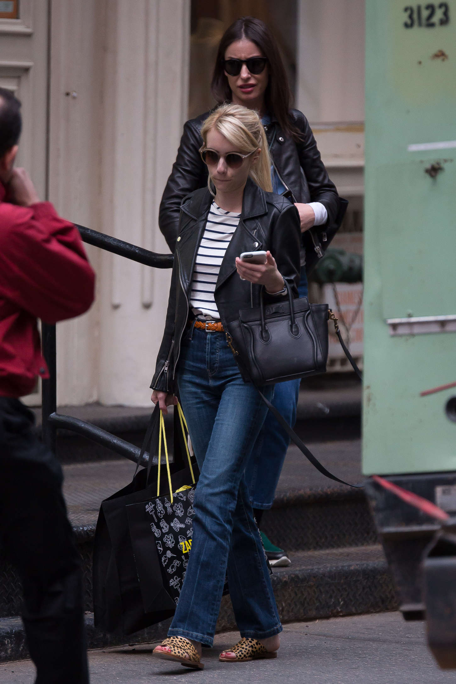 Emma Roberts 2015 : Emma Roberts in Jeans -13