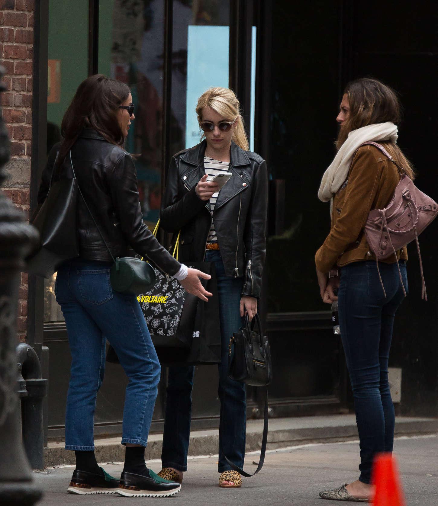 Emma Roberts 2015 : Emma Roberts in Jeans -14