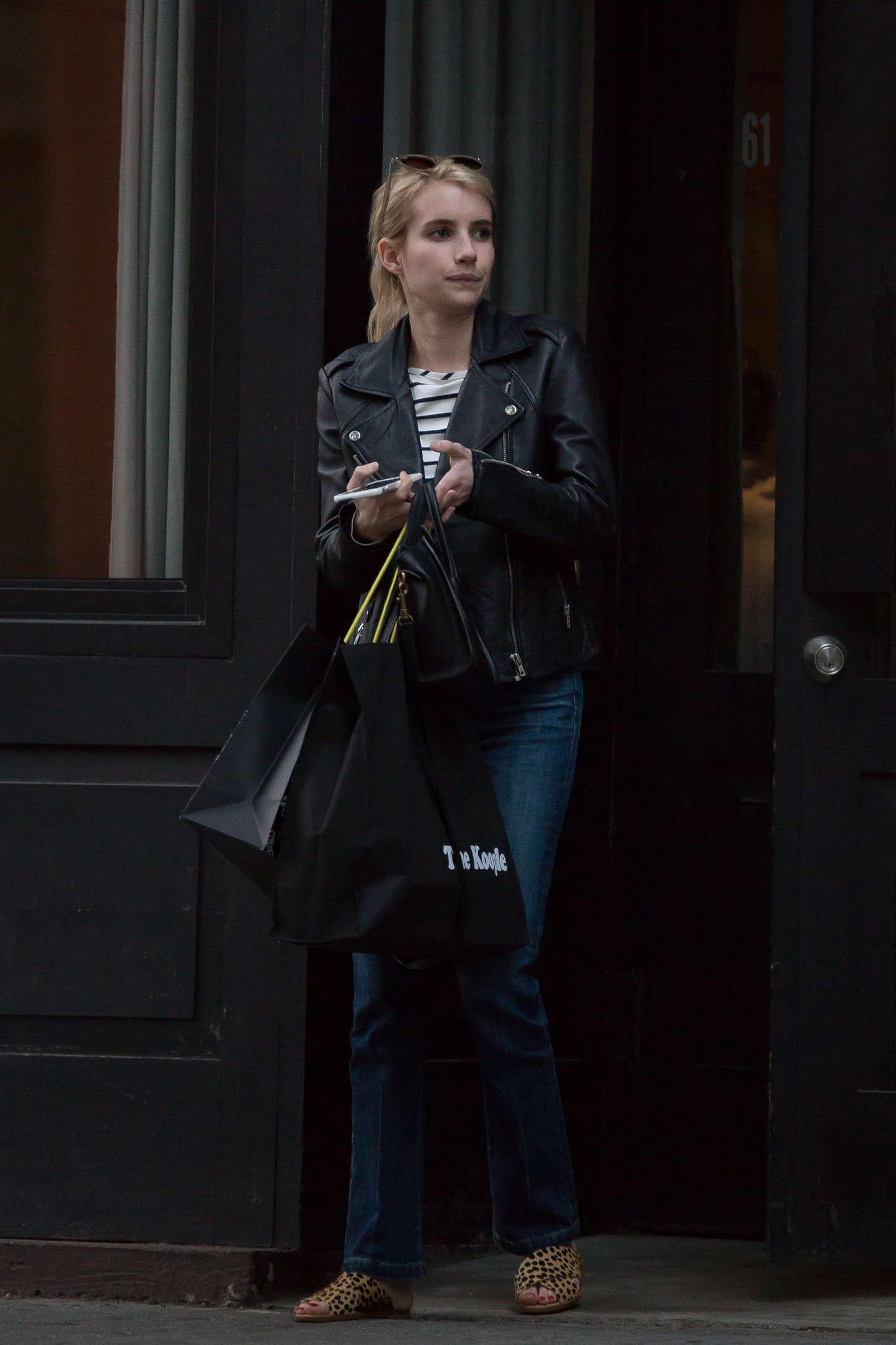 Emma Roberts 2015 : Emma Roberts in Jeans -18