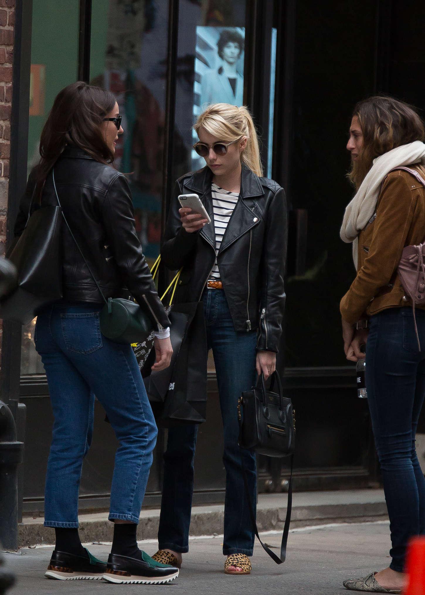Emma Roberts 2015 : Emma Roberts in Jeans -19