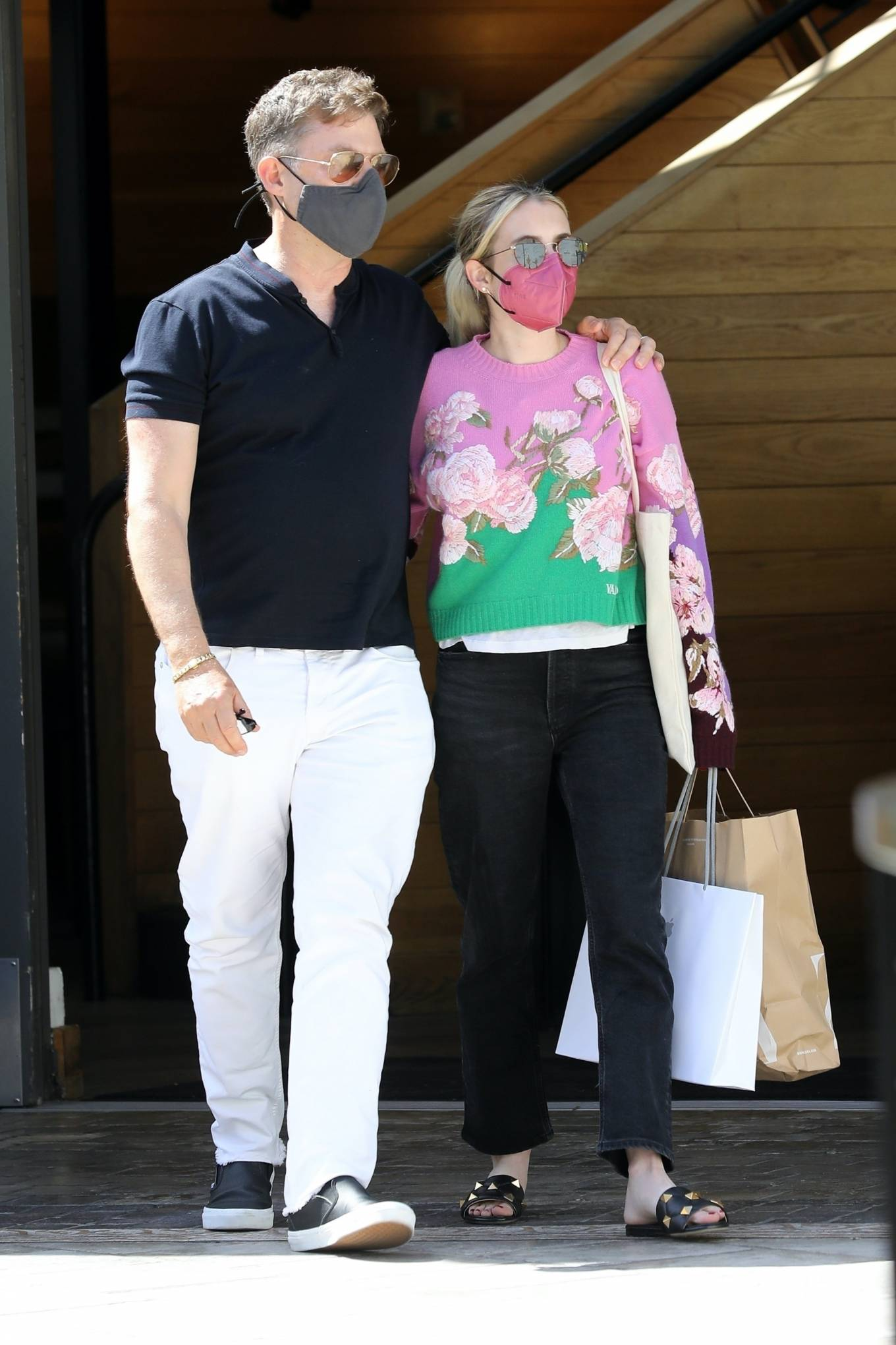 Emma Roberts 2021 : Emma Roberts – Out for a lunch at La Piazza restaurantin Los Angeles-13