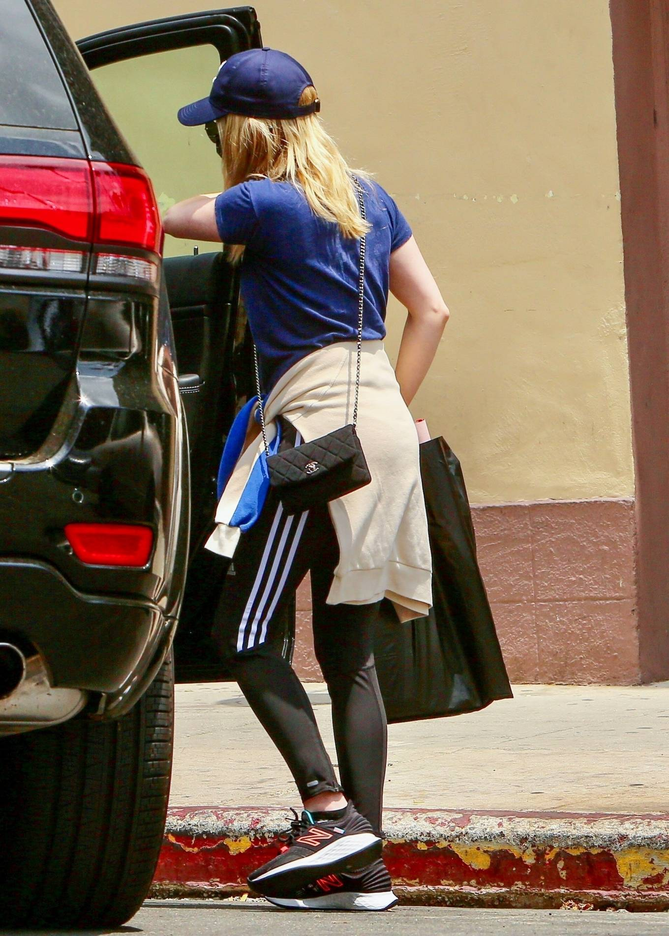 Emma Roberts 2021 : Emma Roberts – Out for some coffee in Los Feliz-08