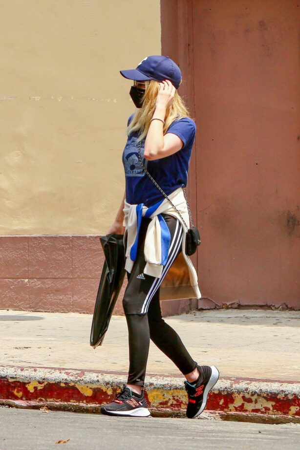 Emma Roberts - Out for some coffee in Los Feliz