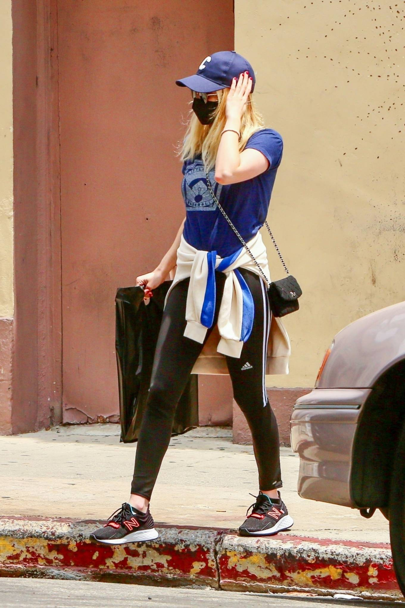 Emma Roberts 2021 : Emma Roberts – Out for some coffee in Los Feliz-16