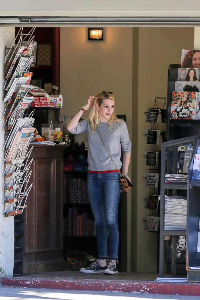 Emma Roberts: Picks up Some Reading Material -17