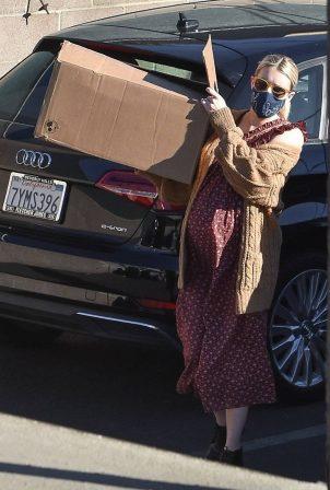 Emma Roberts - Seen at FedEx in Los Angeles