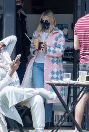 Emma Roberts - Seen at Saddle Peak Lodge Restaurant in Calabasas