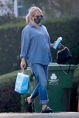 Emma Roberts - seen out in Los Feliz