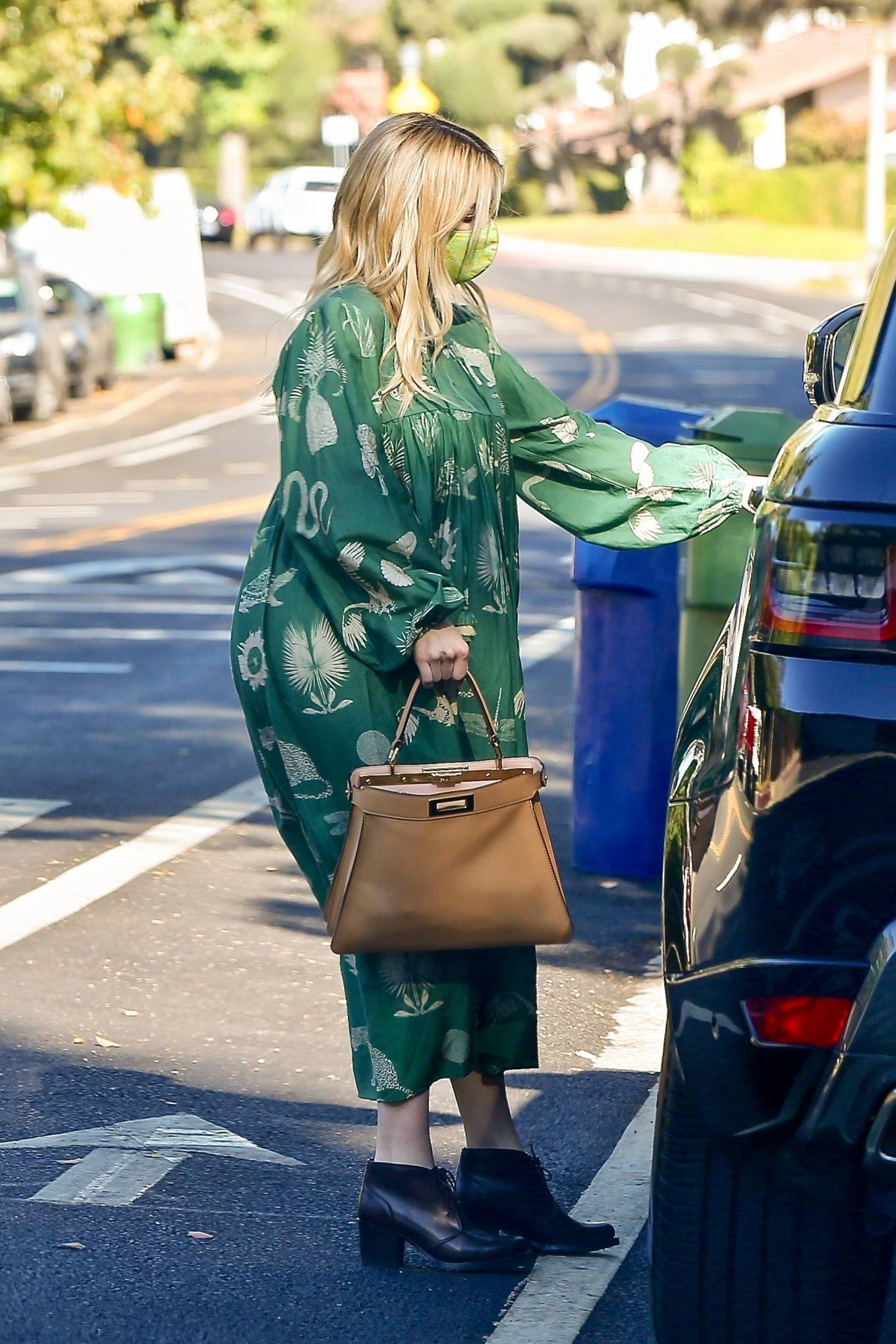Emma Roberts 2020 : Emma Roberts – Seen while leaves her home in Los Feliz-08