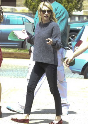 Emma Roberts - Set of 'Nerve' in NYC