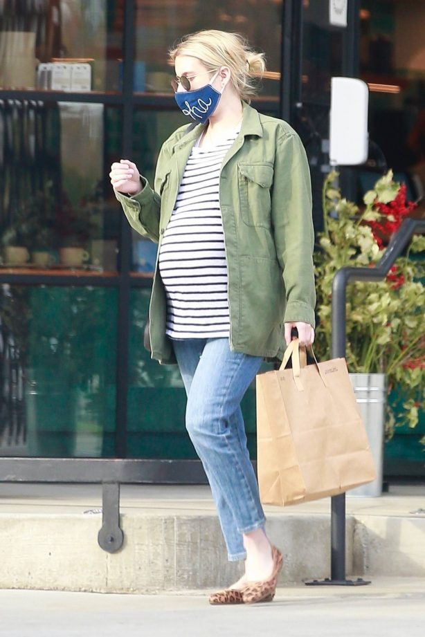 Emma Roberts - Shopping candids in Los Feliz