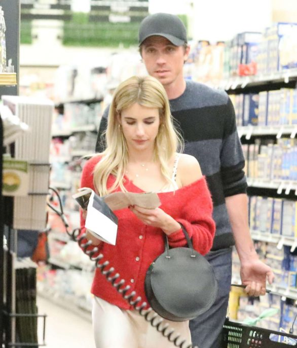 Emma Roberts - Shopping with her boyfriend in Santa Monica